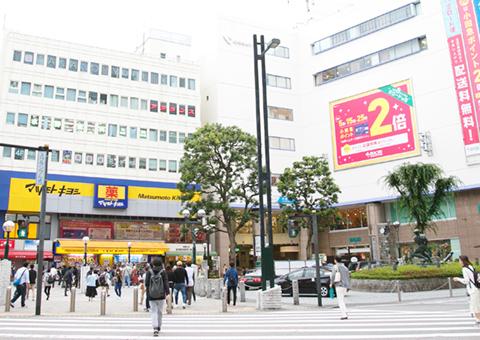 本厚木駅徒歩2分の立地で、昼休み外来、会社帰り外来も。